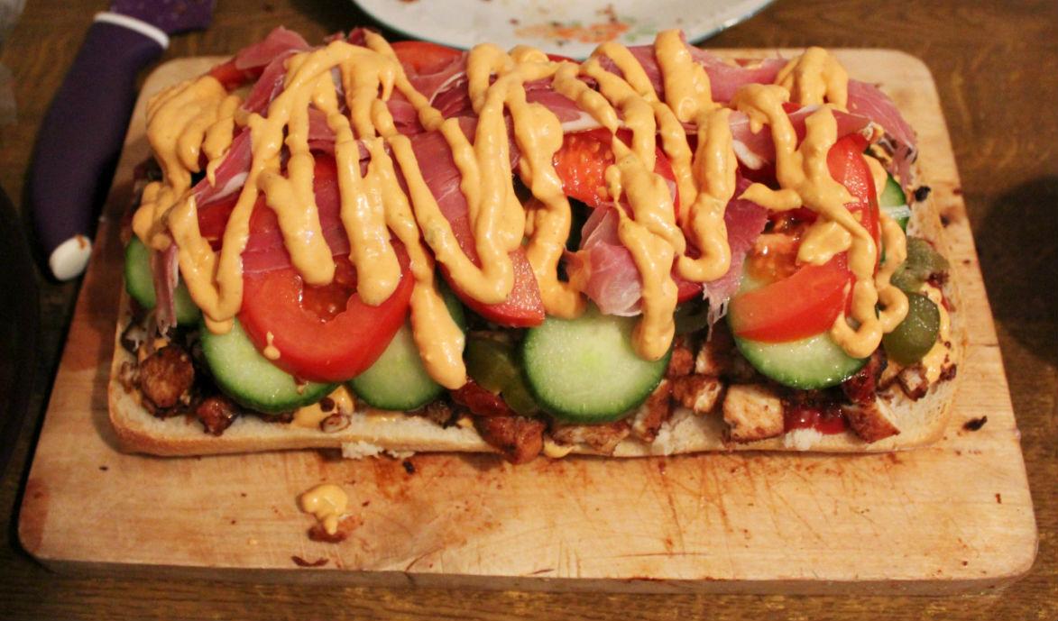 ogromna-kanapka-z-kurczakiem-do-piwa-7