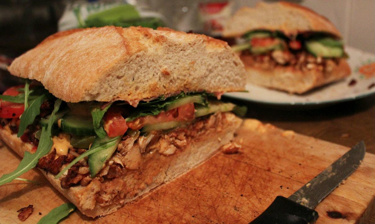 ogromna-kanapka-z-kurczakiem-do-piwa-9