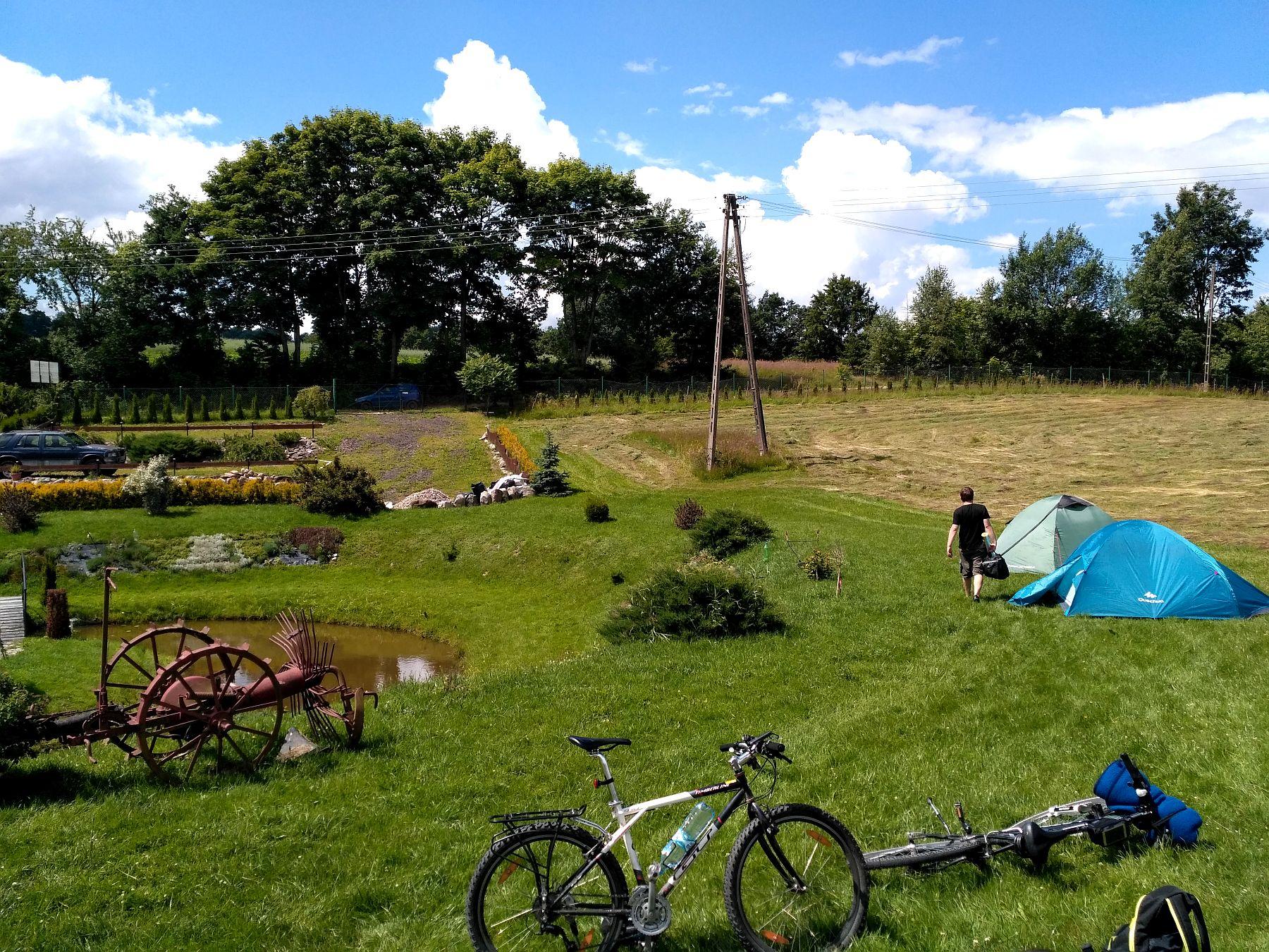 Gospodarstwo Agrorzym latem - namioty